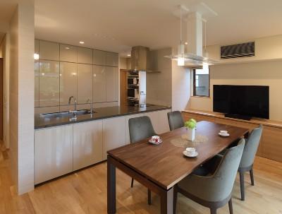 アーキテクチャーリンクライフの注文住宅「たっぷりと採光しテラスと一体感のあるコートハウス」