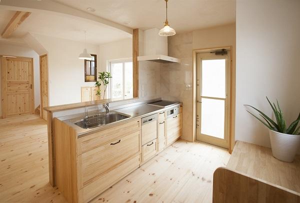 アトリエ・ネストの注文住宅「全体を白で統一した温かみのある家」