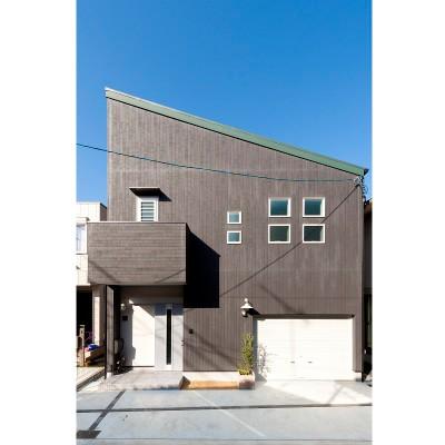 エフイーホームの注文住宅「おしゃれでスタイリッシュな片流れ屋根」