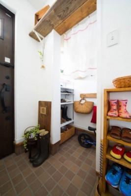 アイリーフラボの注文住宅「雑貨アーティストが作品に囲まれて暮らせるお家」
