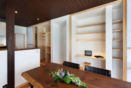 イムラの注文住宅「アクセントで引き締しめたカラーにしつつ開放感も充分」