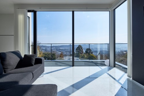KADeLの注文住宅「自宅から自然と町並みを眺められる」