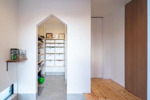 ルポハウス一級建築士事務所の注文住宅「帰宅するのが楽しくなるおしゃれなシューズスペース」
