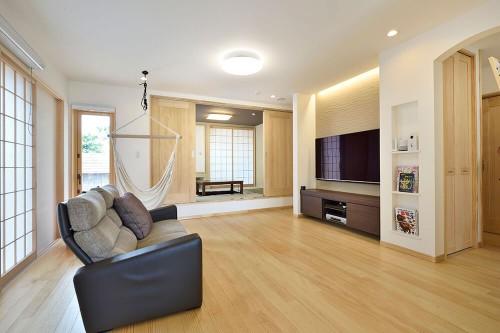 敷島住宅の注文住宅「自然を感じられて利便性も高い家」