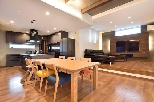 敷島住宅の注文住宅「ちょうどよい距離感で暮らせる複数世帯のお家」